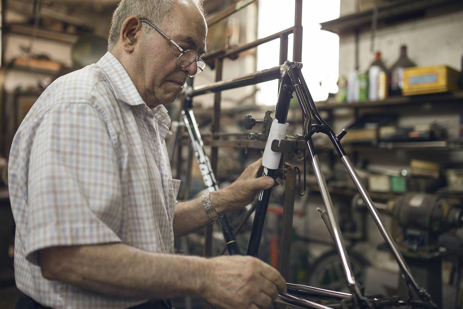 maestro carlo carla artigiano bici 05