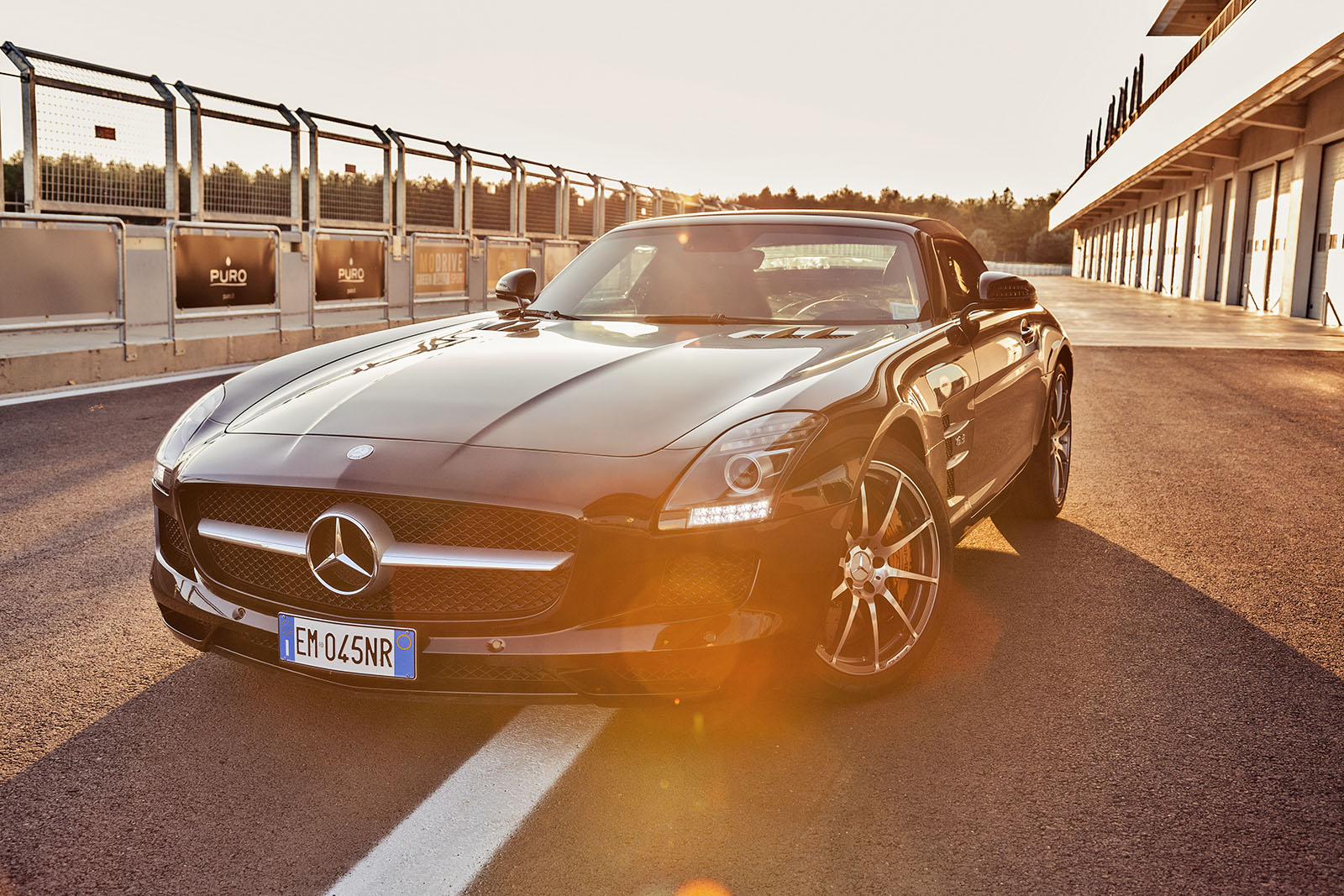 mercedes_sls_amg_2012_cabrio_static_front